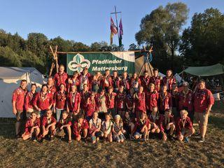 Gruppenfoto der gesamten Gruppe vor dem Mattersburger Lagerplatz