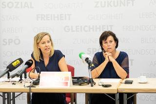 Landtagsabgeordnete und SPÖ-Familiensprecherin Petra Müllner und Landesrätin Birgit Gerstorfer.