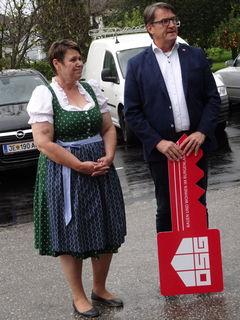 Bürgermeisterin Andrea Reichl und OSG Obmann Alfred Kollar.