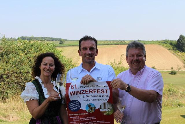 Tourismusstadträtin Gudrun Tindl-Habitzl, Winzerfestpräsidenten Markus Prock, Bürgermeister Thomas Grießl.