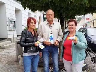 (v.l.n.r.): Edith Kogler, Gemeinderat Reinhard Pitzl und Kommunalmanagerin Rosemarie Wögerer