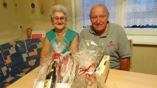 Raimund Pirker wurde mit einem Geschenk überrascht