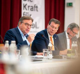 Der Klub der Tiroler Volkspartei hat sich mit einer zweitägigen Klausur in der Paznauner Gemeinde Kappl auf die politische Herbstarbeit vorbereitet
