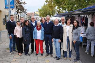 Die ÖVP Gemeinderäte freuen sich über den Markt in der Nebenfahrbahn.