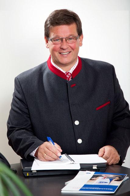 AMS-Bezirksstellenleiter Josef Musil freit sich über die aktuellen Arbeitslosenzahlen aus dem Bezirk Scheibbs.