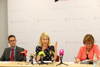 v. l.: Alexander Stöger von der Abteilung Statistik des Landes OÖ, Landesrätin Christine Haberlander und Barbara Trixner, interimistische Leiterin der Direktion Bildung und Gesellschaft beim Land OÖ.