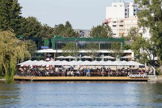 Das Strandcafé wurde erst vor etwas mehr als einem Jahr wieder eröffnet. Nun wird es auf unbestimmte Zeit geschlossen.