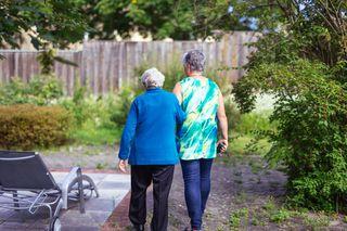 In der letzten Lebensphase ist es für ältere, einsame oder kranke Menschen schön, wenn jemand für sie da ist