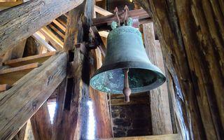 Die Glocken der Kirchen in Jenig, Treßdorf und Kötschach-Mauthen werden für 15 Minuten läuten (Foto: https://pixabay.com/de/kirchenglocke-turmglocke-glocke-1281485/)