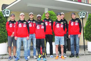 Auf Erfolgskurs: Die beiden erfolgreichen Kolland Topsport-Viererteams, die beim traditionellen Dolomitenmann in Lienz die Ränge eins und vier belegten.