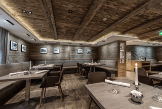 """Das Gourmetrestaurant Stüva im Hotel YSCLA in Ischgl: Heimat des """"Gault&Millau Koch des Jahres 2019"""" Benjamin Parth."""