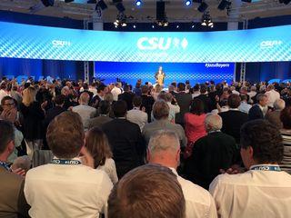 """Ministerpräsident Markus Söder gab am Parteitag die Losung aus: """"Kämpfen, kämpfen, kämpfen""""."""