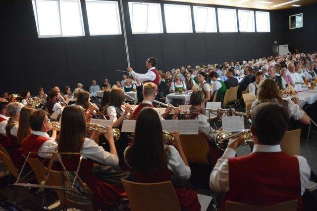 Viele Gäste kamen zur 50-Jahr-Feier der Gemeinde Thannhausen