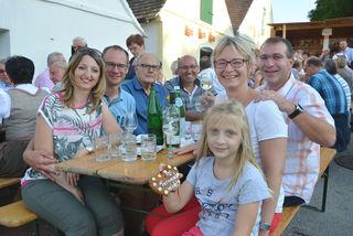 Oberst Herwig Graf mit Familie und Freunden