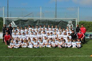 Mehr als 80 Fußball-Rookies durften mit den Profis trainieren.