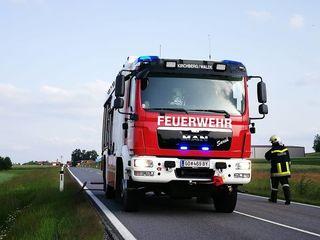 Die Freiwillige Feuerwehr Kirchberg am Walde führte die Fahrzeugbergung durch.