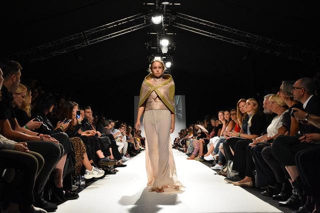 Alles Jugendstil: Die Modeschule Michelbeuern präsentierte ihre neue Kollektion bei der Fashion Week.
