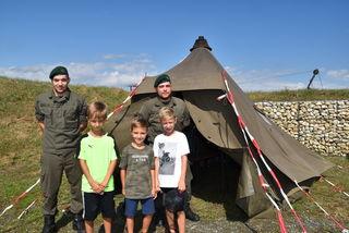 Wie so ein Soldaten-Zelt wohl von innen aussieht ...