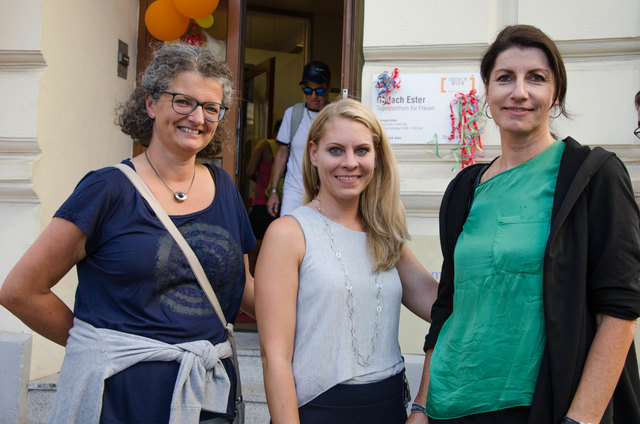 Obdach Wien-Chefinnen Monika Wintersberger-Montorio (l.) und Doris Czamay (r.) mit Susanne Winkler (Fonds Soziales Wien).