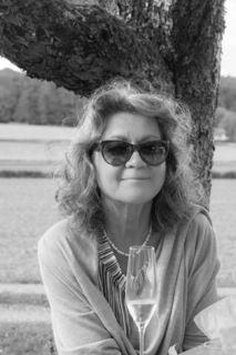 Gabriele Köhlmeier im Gespräch mit unserem Redakteur über Kunst und Kultur, die Rolle der Frau in unserer Gesellschaft und die Probleme des Alterns und des Älterwerdens.