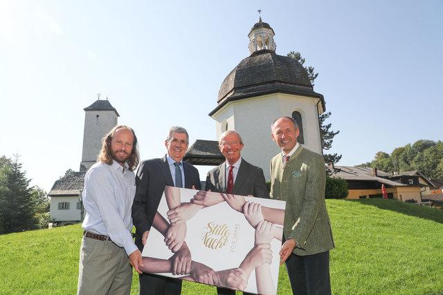 v.l. Paul Estrela (GF Stille Nacht 2018), Bürgermeister Peter Schröder, Landeshauptmann Wilfried Haslauer und Leo Bauernberger (GF Salzburger Land Tourismus)