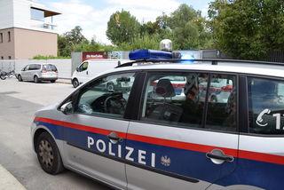 In Mils wurde ein vierjähriges Mädchen schwer verletzt.