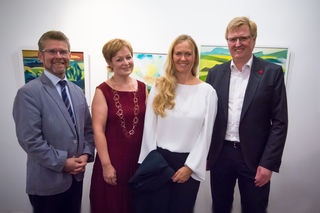 Hausherr und Galerist Markus Nöttling, Museumspädagogin Michaela Breitwieser, Künstlerin Lydia Wassner-Hauser, Kulturstadtrat Johann Reindl-Schwaighofer.