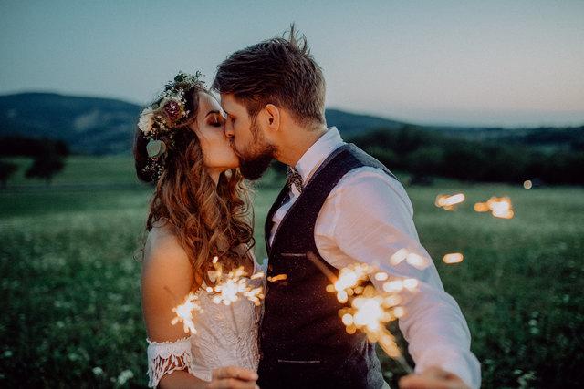 Perfekt: Damit der Hochzeitstag zu einem besonderen Erlebnis wird, braucht es Inspirationen und Tipps.