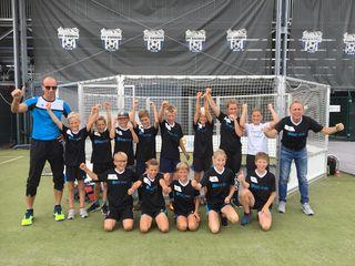 Die U11 der Spielgemeinschaft Mariapfarr, Tamsweg, Mauterndorf mit ihren Trainern Peter Bauer und Jäger Hubert).