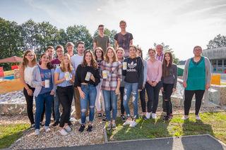 Die fleißigen Sammler aus der 7c-Klasse des Gymnasiums Jennersdorf mit ihrem Klassenlehrer Ferdinand Weber.