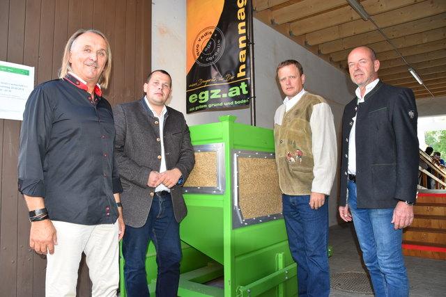 EGZ-Geschäftsführer Franz Bauer und Vertreter der Politik und der Landwirtschaft trafen sich in Niedersulz.