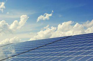 Das Land wird gemeinsam mit TIWAG ein Modell zur Solarstromspeicherung entwickeln. (Symbolbild)