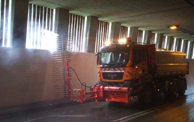Saubere Tunnel bedeuten mehr Sicherheit, bessere Luft und weniger Energieverbrauch für Beleuchtung und Belüftung.