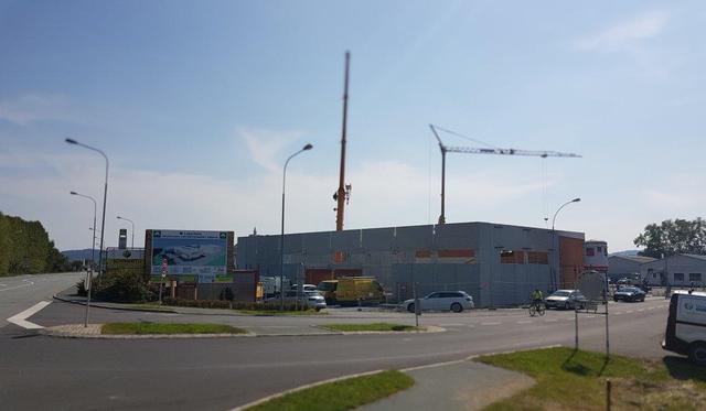 Die Arbeiten für den neuen Baumarkt an der Bundesstraße sollen um die Jahreswende abgeschlossen sein.