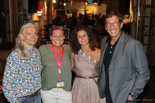 Ein gelungener Kabarettabend mit Viktor Gernot. Da strahlen auch Franz Weisgram, Silvia Dimov, und Dana Weinmann.