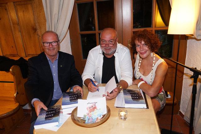 Foto Ch. Steger                                                             Bürgermeister Alois Daxinger aus Innerschwand   Bernhard C. Wendtner                                                          Kulturausschuss    Obfrau Christine Steger