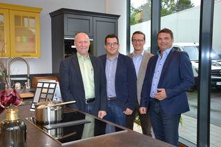 Inhaber Thomas Zapfel, Tischlermeister Lukas Posawetz, Administrator Kurt Zapfel und Planungs- u. Einrichtungsberater Hannes Baldasti begrüßten die Gäste