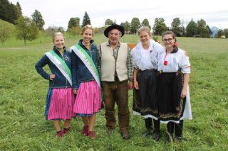 Gruppenbild mit Dachsteinkönigin und -prinzessin