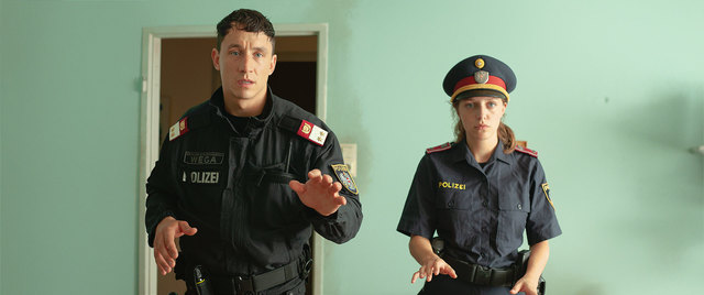 "Laurence Rupp und Anna Suk in ""Cops"""