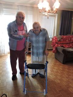 Werner Deutsch (r.) mit seinem Nachbarn Gerhard, der ihm eine große Hilfe ist.