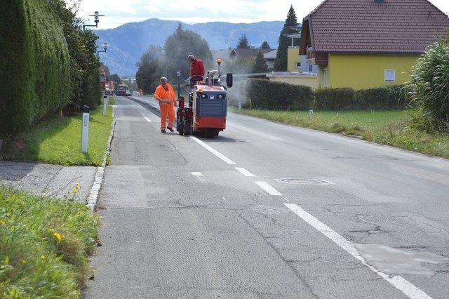 Am Montag (24. 9.) haben die Abfräsarbeiten an der Ortsdurchfahrt in Haiden begonnen