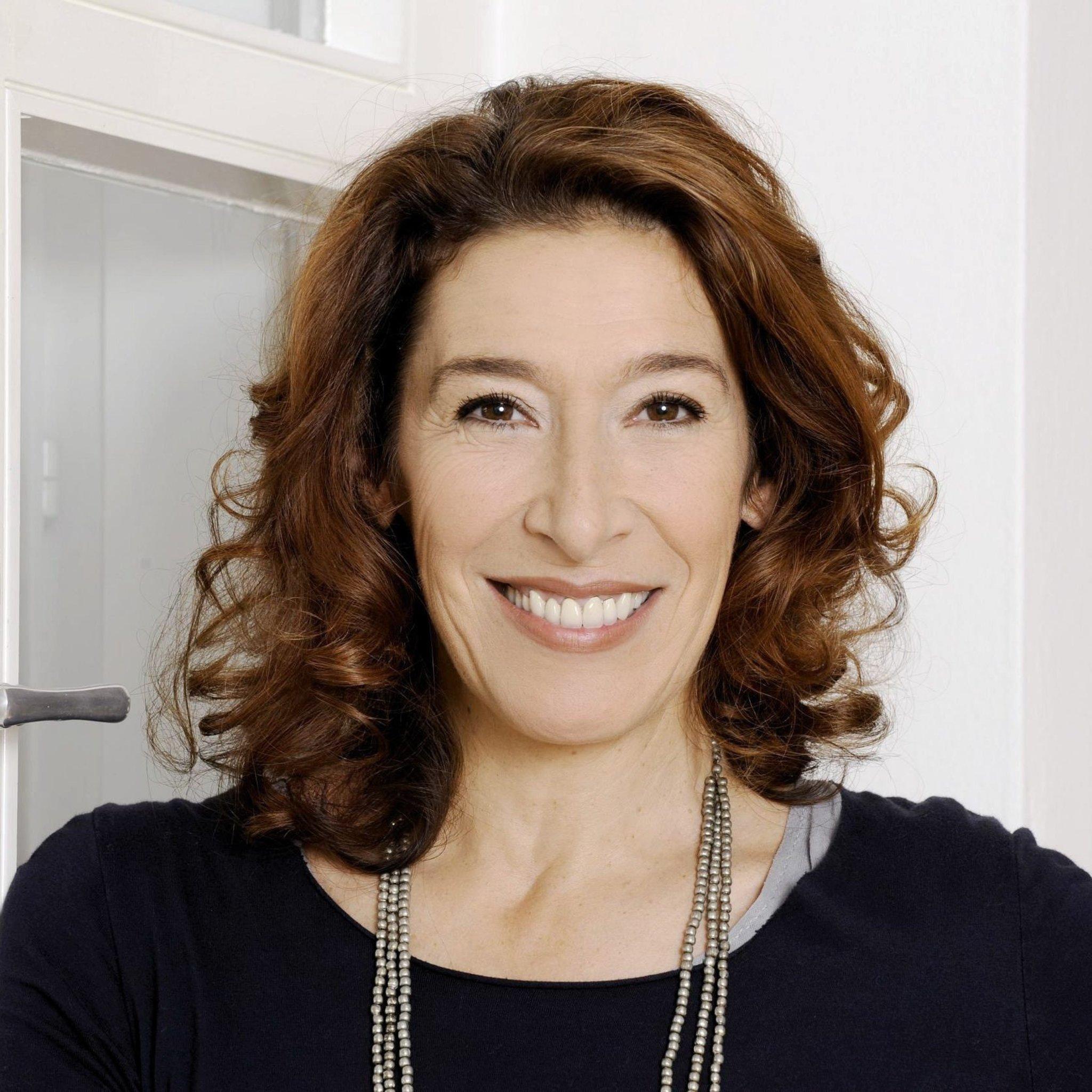 Ausverkauft: Adele Neuhauser sorgt für volles Haus im