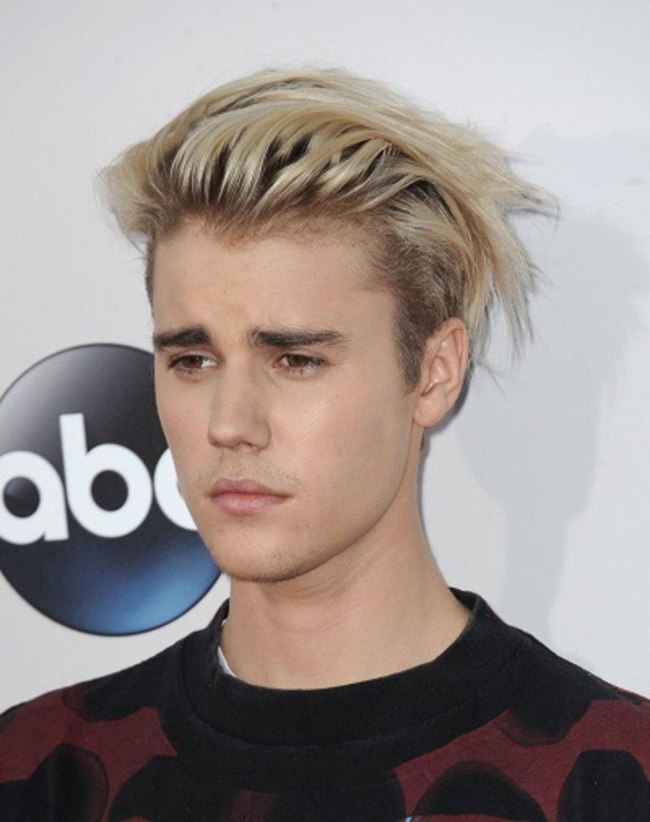Ohne Selena Gomez Krasse Veranderung Justin Bieber Mit Neuer Frisur