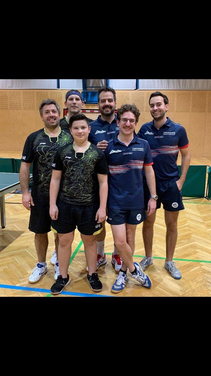 v.r. Julian Meyer, Christian Mair und Jo Fiechtl im neuen Outfit(Spieler vom  TSV AustriAlpin Fulpmes in der Tiroler Landesliga B)