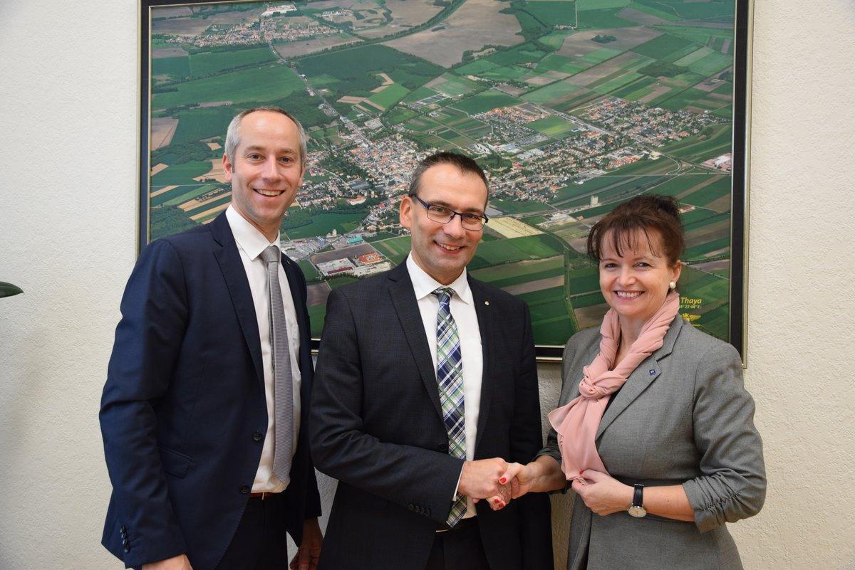 new product 6e682 78d4d Erste Bank: Führungswechsel in Laaer Erste Bank - Mistelbach
