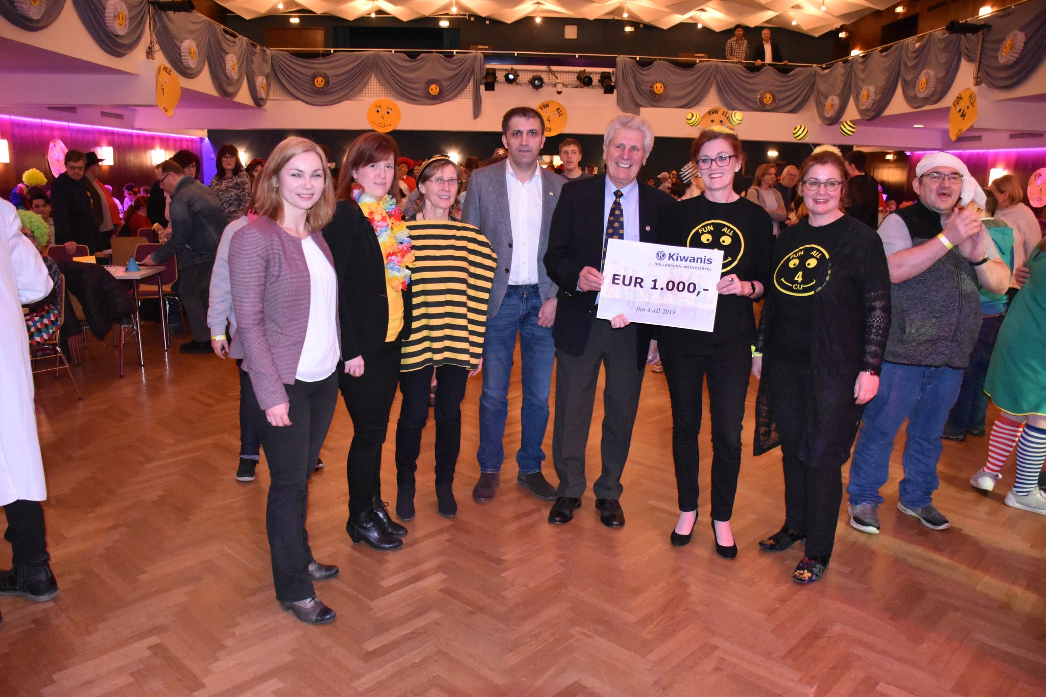Treffen Frauen Hollabrunn - Er sucht Paar Stockerau