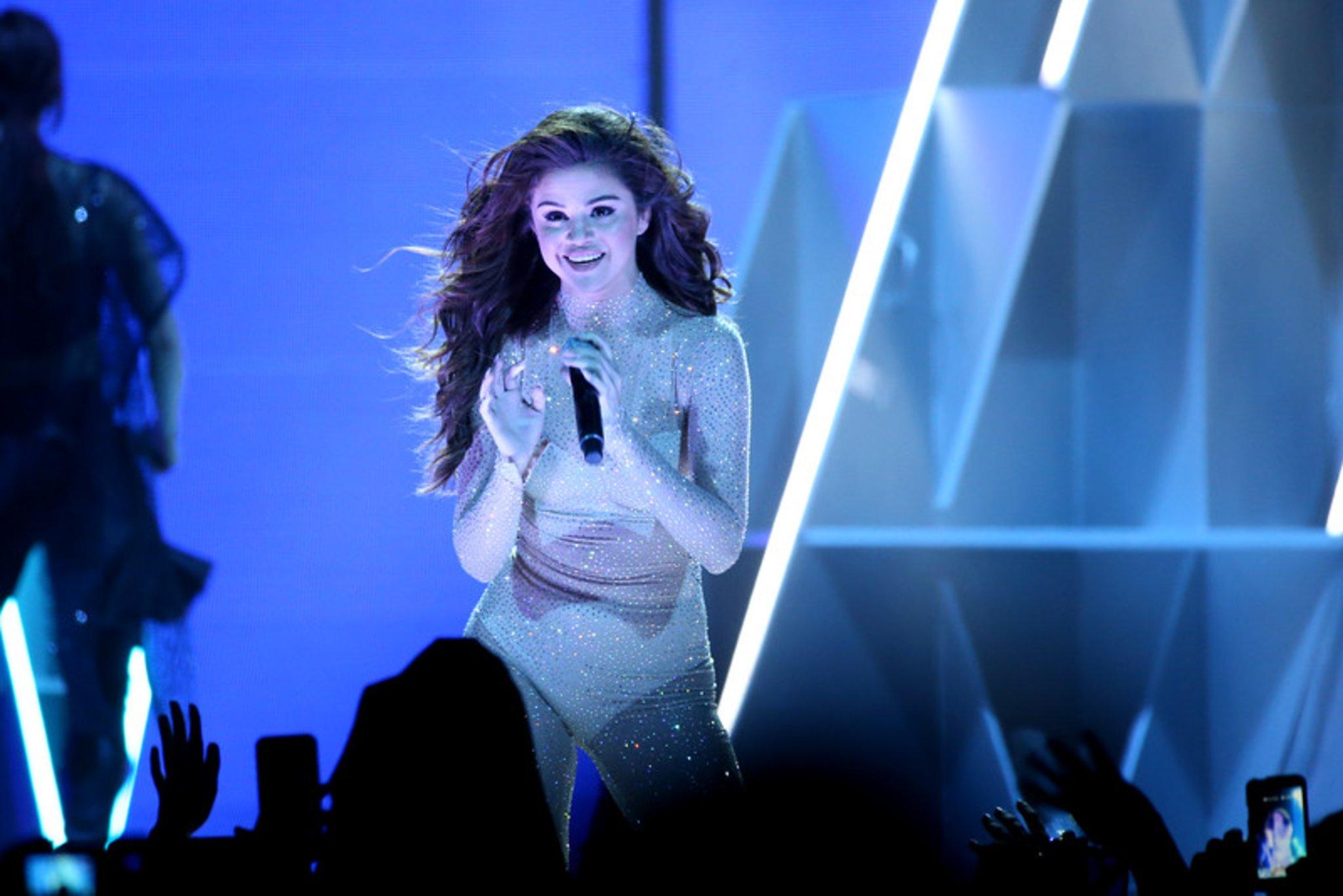 Selena Gomez Tour 2020 Dates Finally back: Selena Gomez's new album is ready and the tour