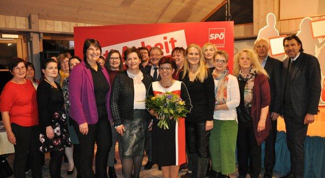 Frauen in Deutschlandsberg - Thema auf carolinavolksfolks.com