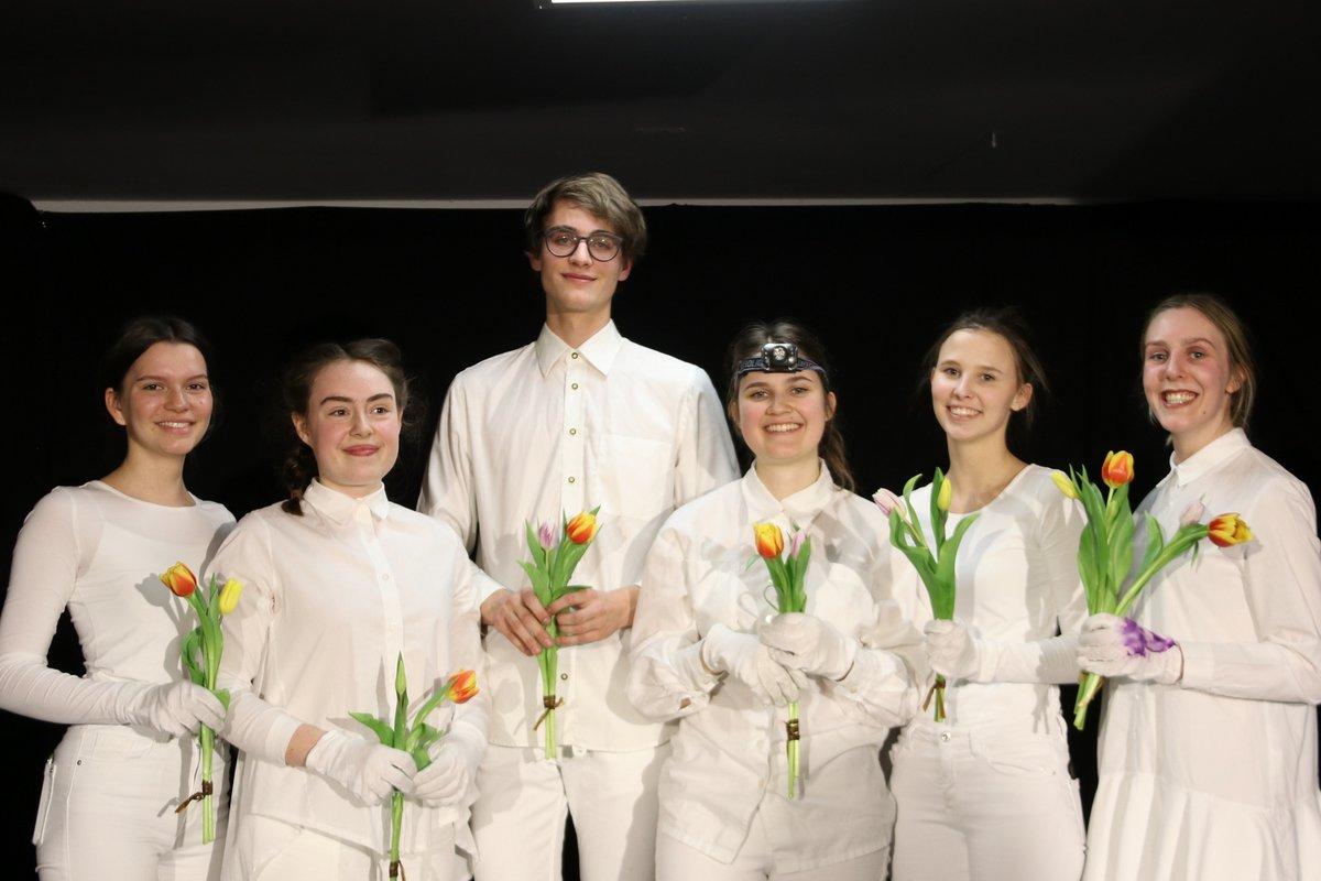 Ana Kresitschnig, Julia Urban, Simon Trap, Ana Grilc, Barbara Rutar und Meta Vouk (von links)