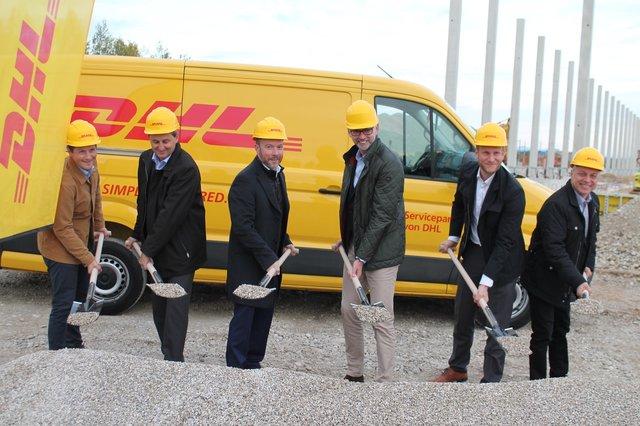 4291c0a8e56b93 Spatenstich des DHL-Verteilzentrum im Oktober.